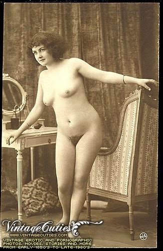 Old Vintage Attractive Nude Pictures Of Sexy Ladies From