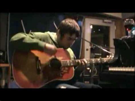 oasis liam gallagher guitar in studio
