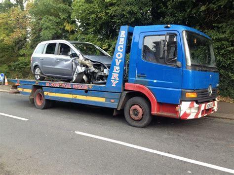 car van recovery breakdown services london  thornton