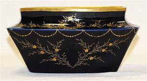 Cache Pot Bleu : cache pot coupe en porcelaine bleu de four limoges jardini res cache pots ~ Teatrodelosmanantiales.com Idées de Décoration