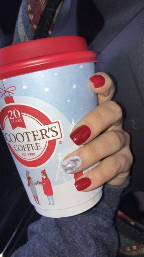 Dunkin' donuts aladdin travel tumbler cup this teacher runs on dunkin 16 oz. Pin by April Gerhardus on My nails | Dunkin donuts coffee cup, Disposable coffee cup, Dunkin donuts
