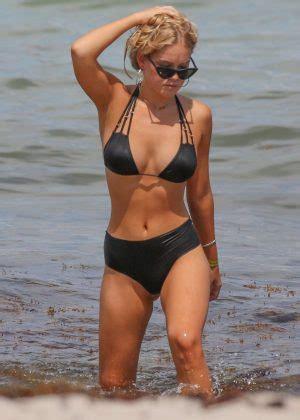 cambrie  faith schroder  bikini   beach  miami