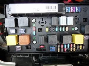 Fusible Autoradio : boite fusible moteur opel zafira opel benn16 photos club ~ Gottalentnigeria.com Avis de Voitures