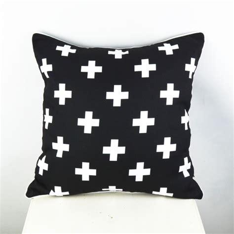 ikea black and white pillow 45 45 cm capa de almofada black and white ikea swiss cross