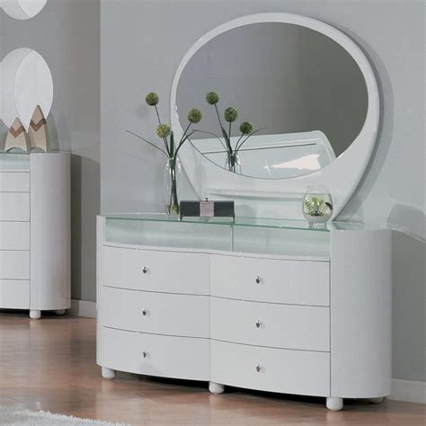 small dressers for small bedrooms small dressers nightstand small nightstands with drawers white and dressers bedroom pure sky for