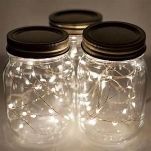 Pot En Verre Deco : diy pot en verre deco guirlandes lumineuses bouchons noirs ~ Melissatoandfro.com Idées de Décoration