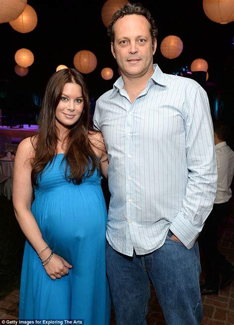 vince vaughn  pregnant wife kyla weber attend crooner