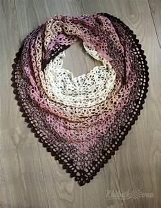 3c857020c1a9 Háčkovaný trojcípý šátek návod - trojcípý duhový šátek