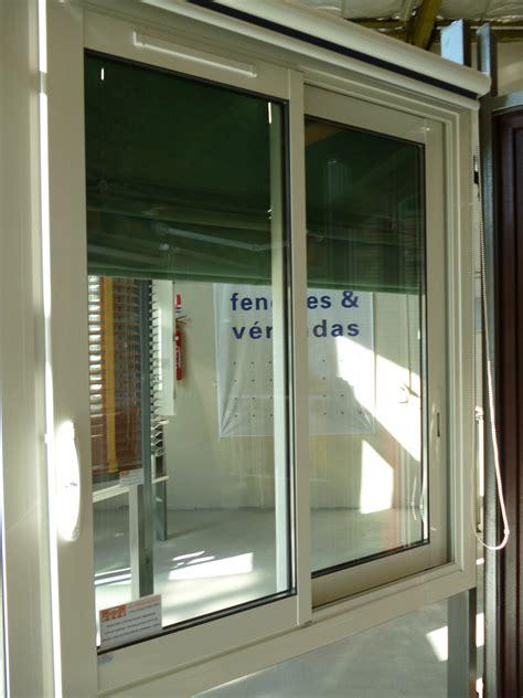 store fenetre cuisine store occultant interieur pour fenetre 5 rideau cuisine
