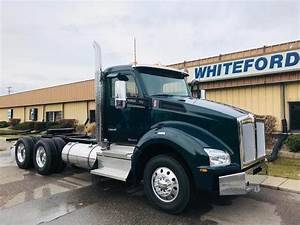 2020 Kenworth T880 Day Cab Truck