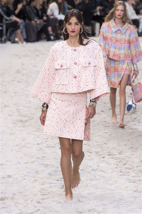 Chanel Spring 2019 Ready To Wear Fashion Show In 2019
