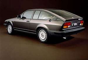Alfa Romeo Gtv6 Occasion : alfa romeo alfetta gtv6 2 5 1979 1986 guide occasion ~ Medecine-chirurgie-esthetiques.com Avis de Voitures