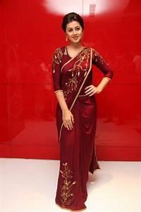 Tamil Actress Nikki Galrani Hot In Saree At Audio Launch