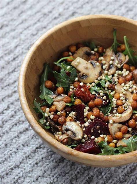 cuisiner la betterave crue les 25 meilleures idées de la catégorie betteraves sur recettes de salade de betterave