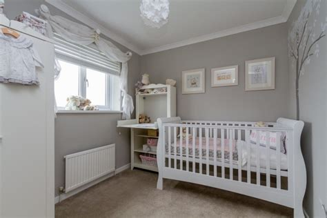 chambre bébé grise et blanche décoration chambre bébé en 30 idées créatives pour les