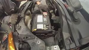 Batterie Renault Clio 3 : renault modus d pose de la batterie youtube ~ Gottalentnigeria.com Avis de Voitures