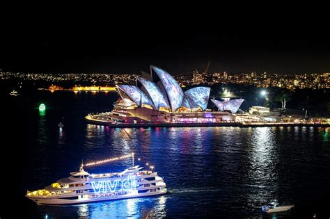Glass Boat Sydney Vivid by Vivid Sydney Boat Cruises And Private Boat Charters