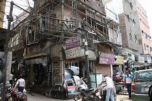 India - Delhi - Crazy Wiring  - Impulseadventure