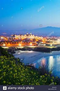 Coastal scenery at Gimnyeong Seongsegi beach resort, Jeju ...