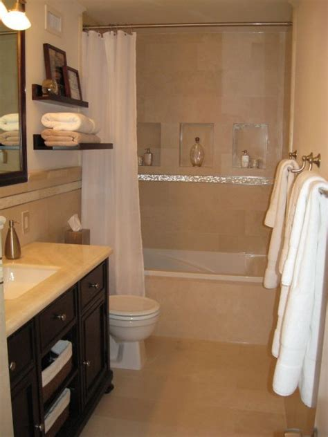 Ideas For Small Bathrooms With Pictures by Best 25 Condo Bathroom Ideas On Small