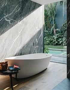 Salle De Bain Bois : carrelage salle de bain grise et bois en 37 id es de d co ~ Teatrodelosmanantiales.com Idées de Décoration