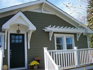 Sixty-Fifth Avenue: Craftsman style cottage