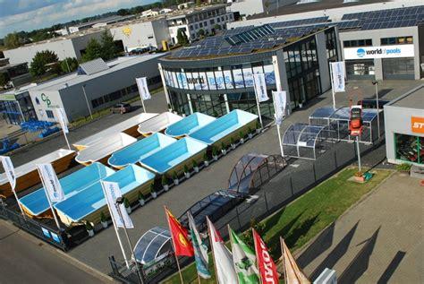 Whirlpool Garten Aus Polen by 220 Ber Uns Pools F 252 R Garten Swimmingpools Fertigschwimmbecken
