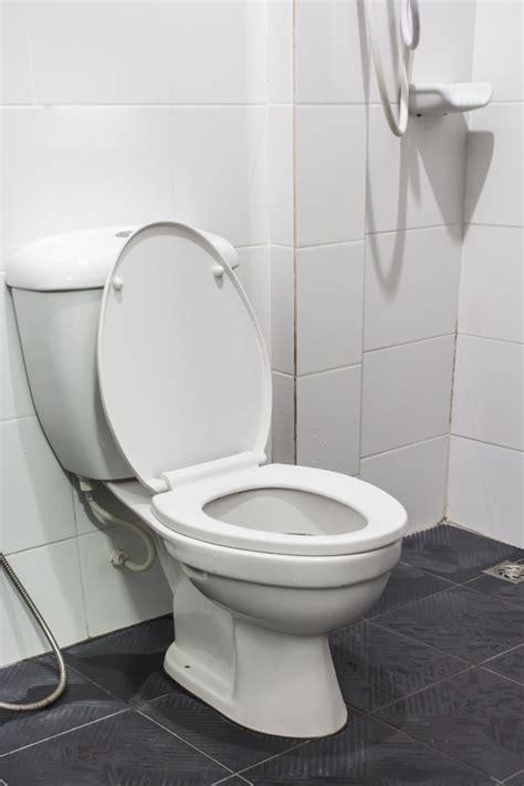 toilette wasser läuft wc sp 252 lkasten entkalken 187 methoden mittel im 220 berblick