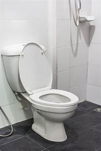 Spülkasten Läuft Ständig : toilettensp lung zu schwach woran kann das liegen ~ Buech-reservation.com Haus und Dekorationen