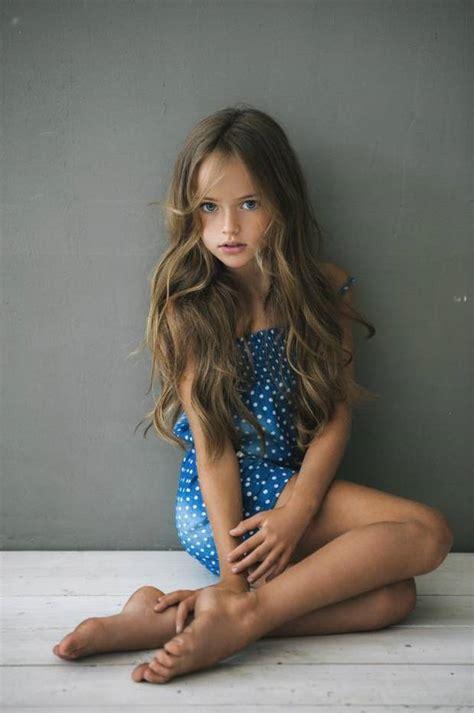 modelo de  anos   menina mais bonita  mundo