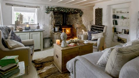 Best Bedroom Tv Uk by Step Inside This Idyllic Thatched Cottage With Gorgeous