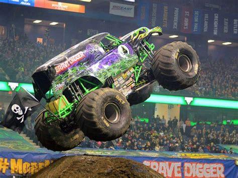 grave digger costume monster truck 1000 images about monster trucks on pinterest monster
