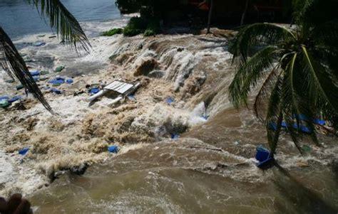 tsunami decembre  explications  archives