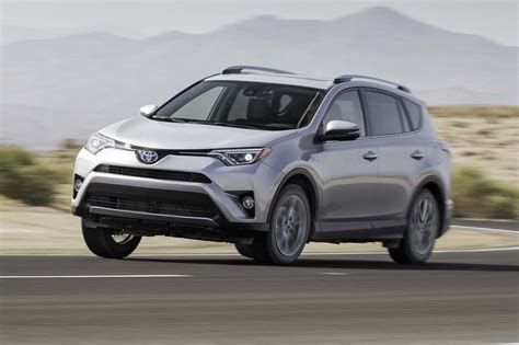 2017 Motor Trend Suv Of The Year by Toyota Rav4 2017 Motor Trend Suv Of The Year Contender