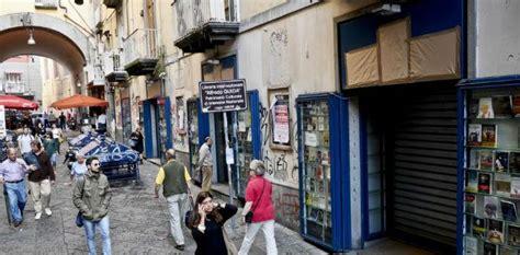 libreria portalba napoli no alla chiusura della libreria guida a portalba aiuti e