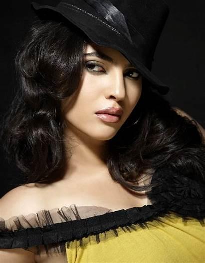 Sherin Actress Shringar Photoshoot Latest Stills Tamil