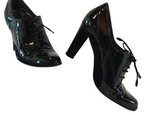 stuart weitzman black patent leather oxford heels pumps