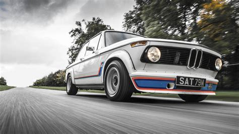 TG drives the BMW 2002 | Top Gear