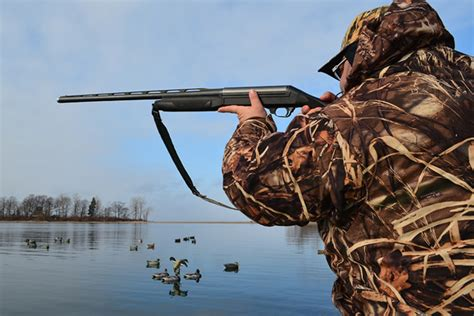Best Duck Hunting Boat For Big Water by 6 Big Water Duck Hunting Tips Wildfowl