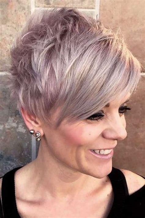 Short Hairstyles for Women Over 50 (Trending in August 2020)