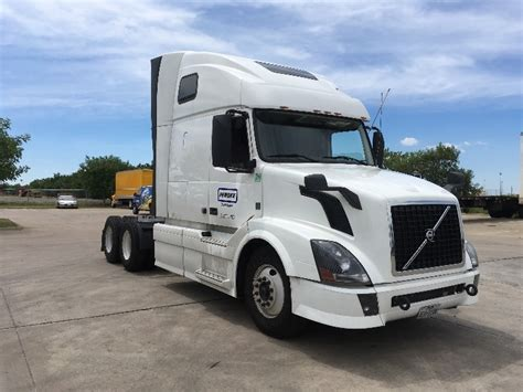 2014 volvo tractor for sale used 2014 volvo vnl64t670 sleeper tractor unit 685336