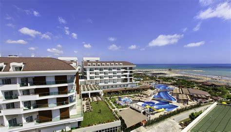 Hotel Adalya Ocean Deluxe (5*)  Travelsk. Hangzhou Tower Hotel. Aegean Mooloolaba. Humboldt Park Hotel And Spa. Veggera Hotel. Hotel 71. Damulser Hof Wellnesshotel. Moness House Hotel & Country Club. Golf Hotel Paradiso