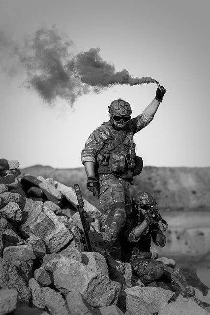 war desert gunshow  photo  pixabay