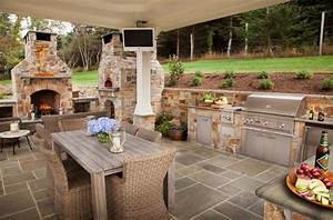 Outdoor Kitchen Designs Featuring Pizza Ovens Fireplaces