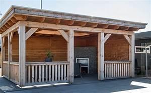 Exklusive terrassenuberdachung aus holz mit seitenwanden for Exklusive terrassenüberdachung