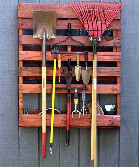 diy pallet tool organizer projects   garden
