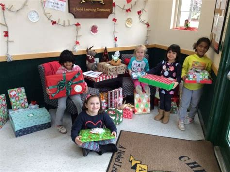 chesterbrook academy 174 preschool in sterling holds gift 719 | img 3001 1485180903 6859