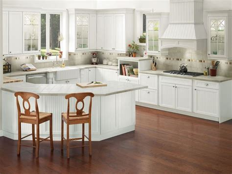 kraftmaid white kitchen cabinets brookfield maple in dove white imparts the timeless look 6726