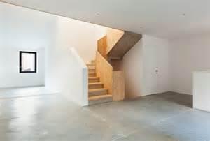 gerade treppen betontreppe mit holz so verlegen sie den holzbelag