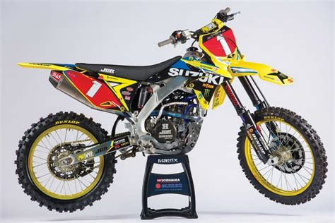 justin hill joins jgr factory suzuki team cycle news
